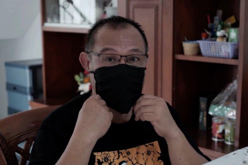 Saat Plt Wali Kota Medan contohkan pakai masker buatan sendiri
