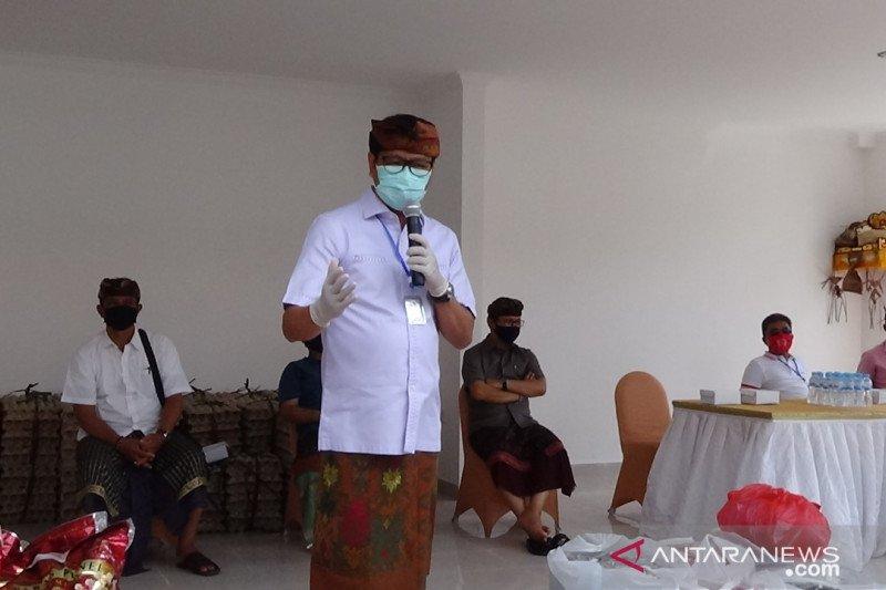 Desa Adat Pecatu Badung serahkan bantuan senilai Rp1,3 miliar