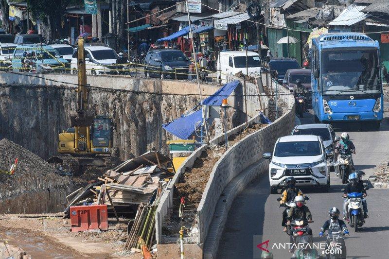 Proyek pembangunan underpass Senen Extension