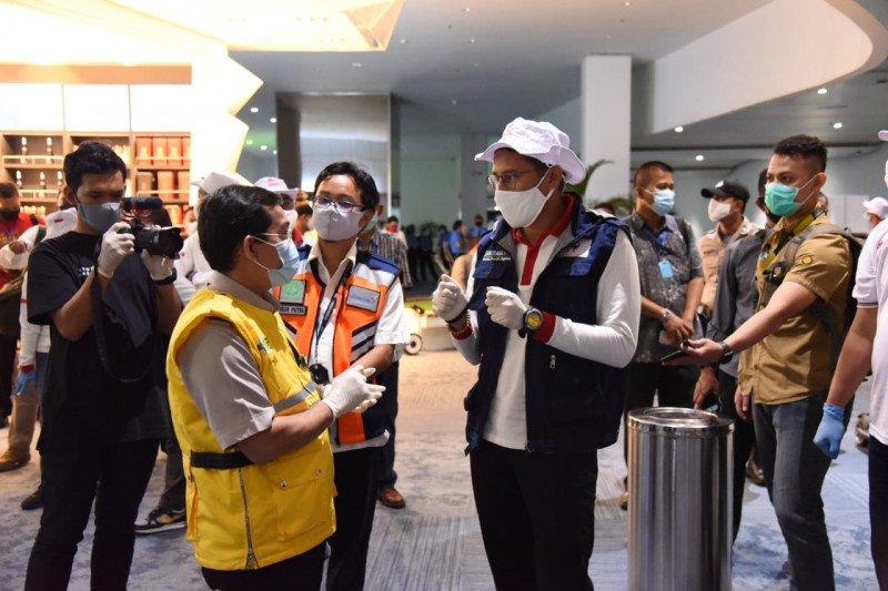 Relawan Indonesia Bersatu gelar tes cepat penumpang di Bandara Soetta