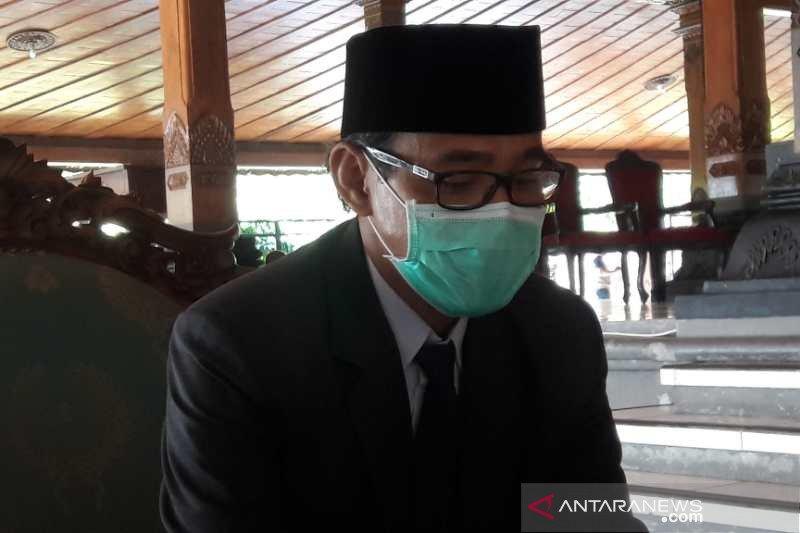PNS Temanggung wajib beli bawang putih dan cabai petani lokal