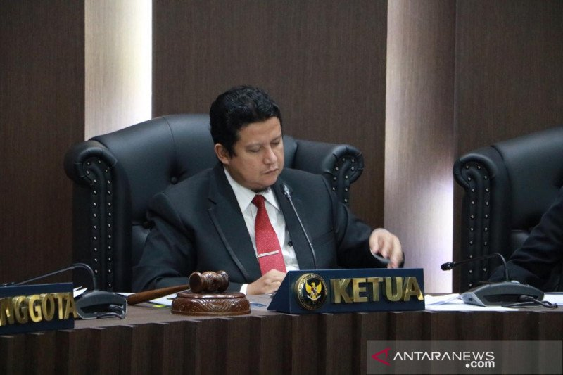 DKPP berhentikan ketua dan kordiv Bawaslu Kota Bekasi