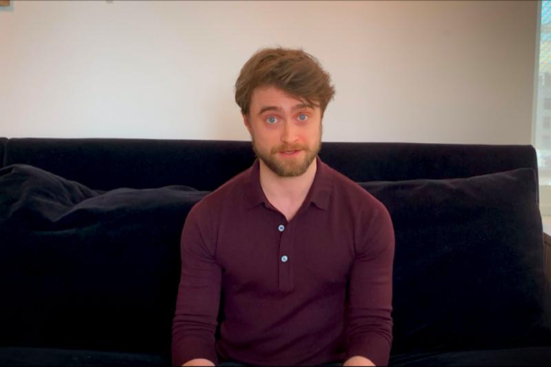 Daniel Radcliffe hingga Eddie Redmayne bacakan buku