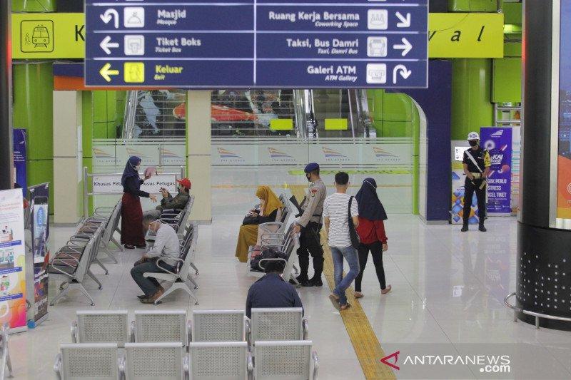 Pengoperasian Transportasi Umum Stasiun Gambir Antara News Kalimantan Timur
