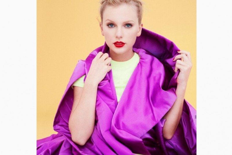 Konser ditunda, Taylor Swift rilis film