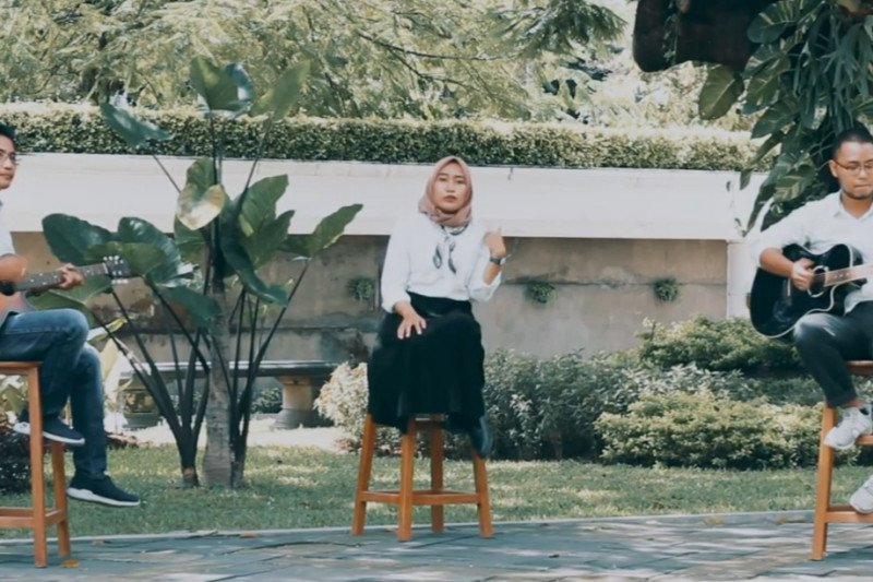 Staf Disbudpar Surabaya ciptakan lagu