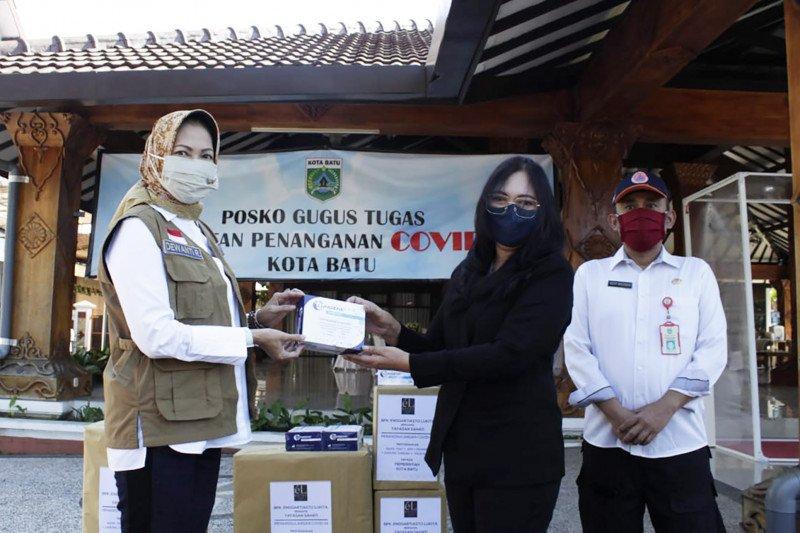 Mantan Mendag Enggartiasto Lukita salurkan bantuan alkes ke Kota Batu