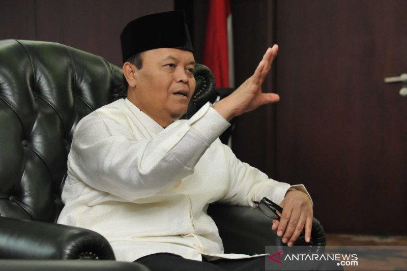 Hidayat Nur Wahid salurkan daging kurban pada penderita COVID-19