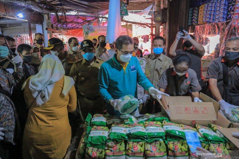Menteri Perdagangan tinjau Operasi Pasar gula pasir jelang Lebaran di Tangerang