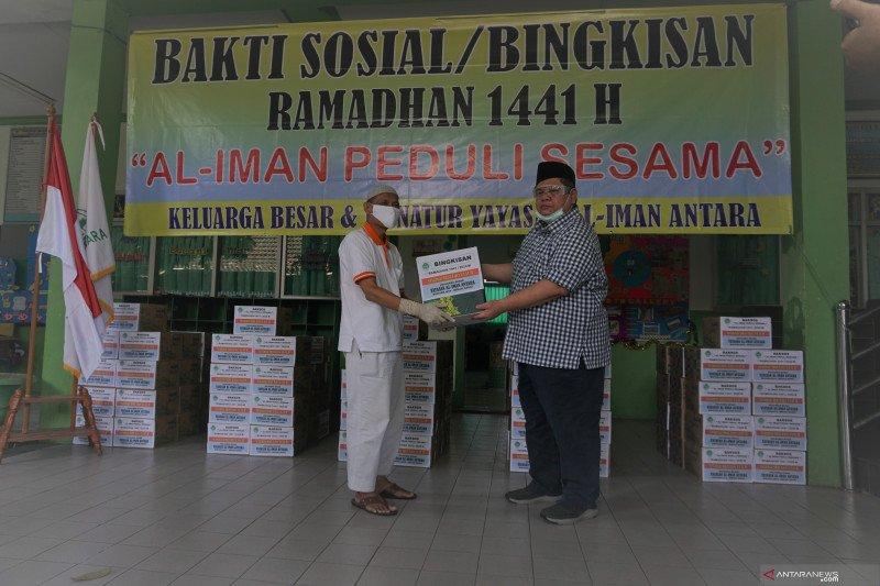Yayasan Al Iman ANTARA Kota Bekasi Membagikan 1.000 Paket Sembako