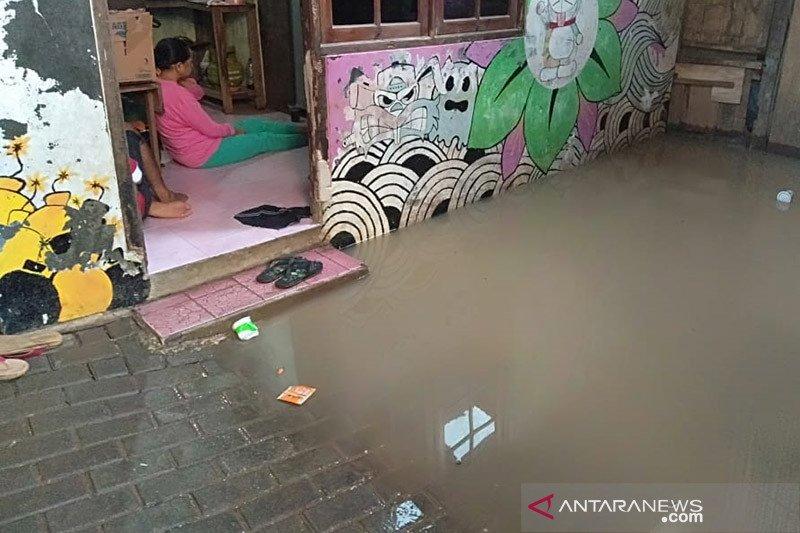 Imbas hujan Kamis,  genangan air terjadi di sejumlah titik Jakarta