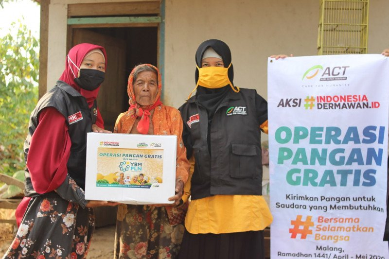 ACT Malang salurkan bantuan untuk warga terdampak COVID-19