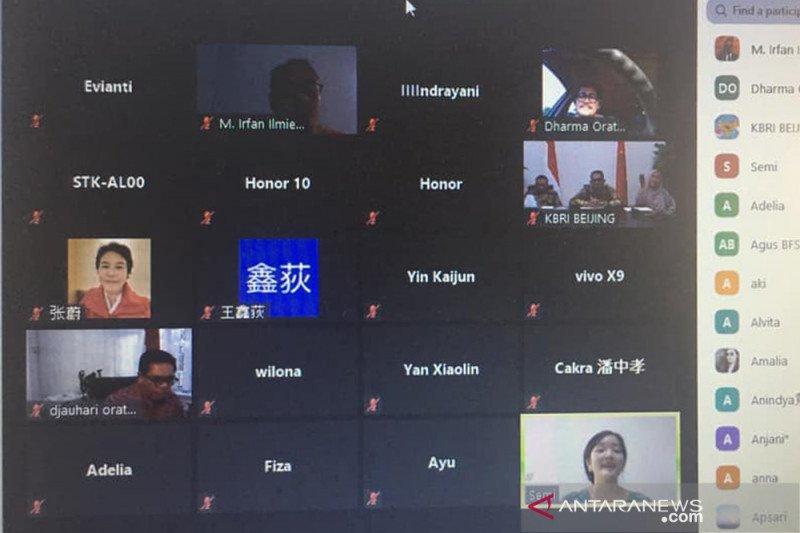 10 penyanyi China pikat juri Dharma Oratmangun