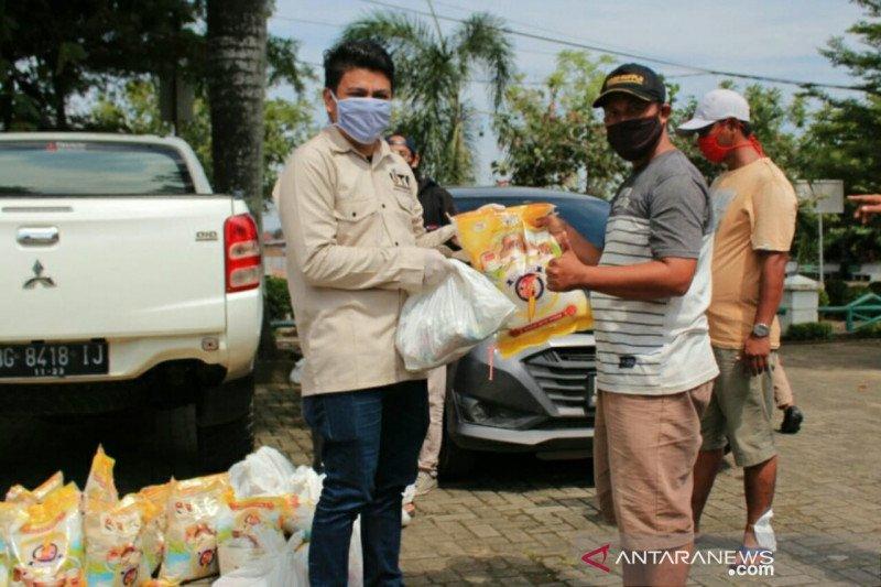 IJTI Sumsel bantu sembako dan masker masyarakat terdampak COVID-19