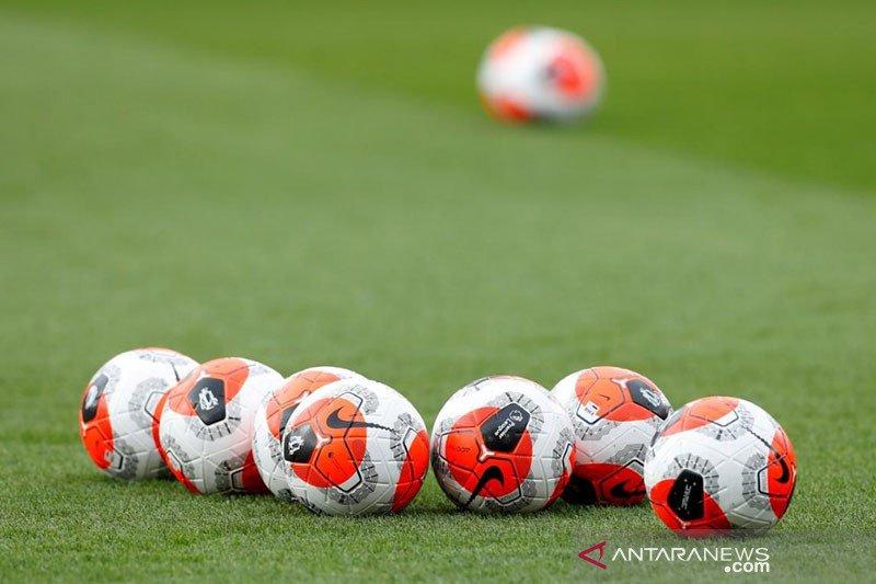Liga Inggris resmi ikut pakai format lima pergantian pemain
