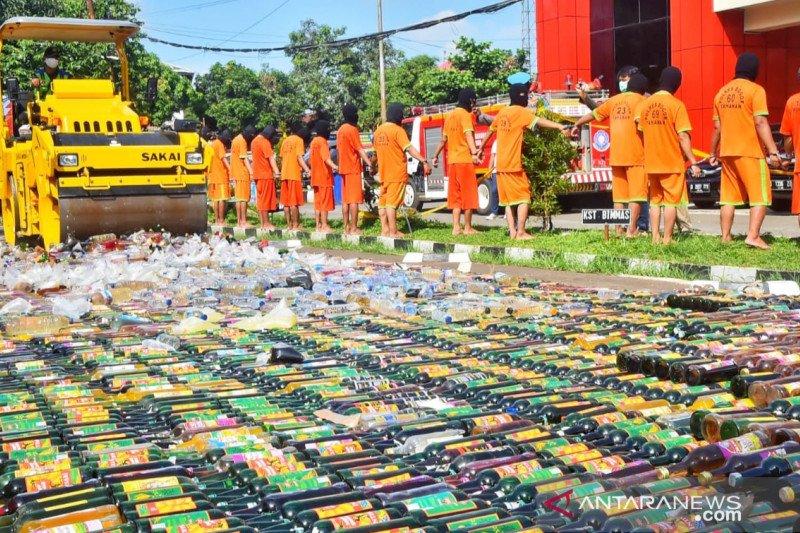 Polres Bogor sita belasan ribu botol miras selama Ramadhan