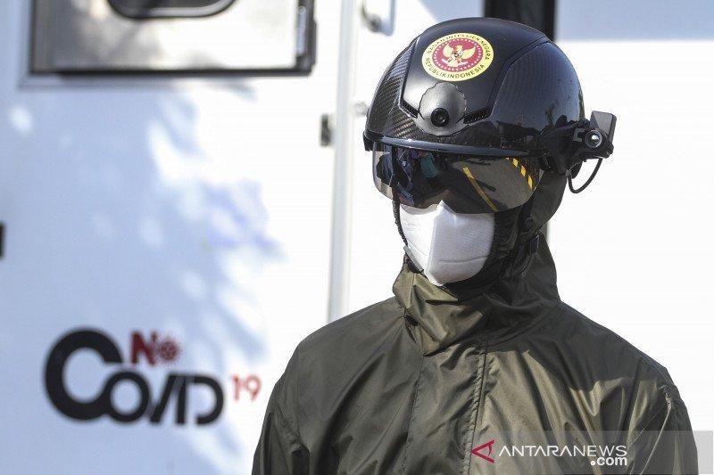 Kemarin, pasien sembuh usia muda dan helm canggih TNI cegah COVID-19