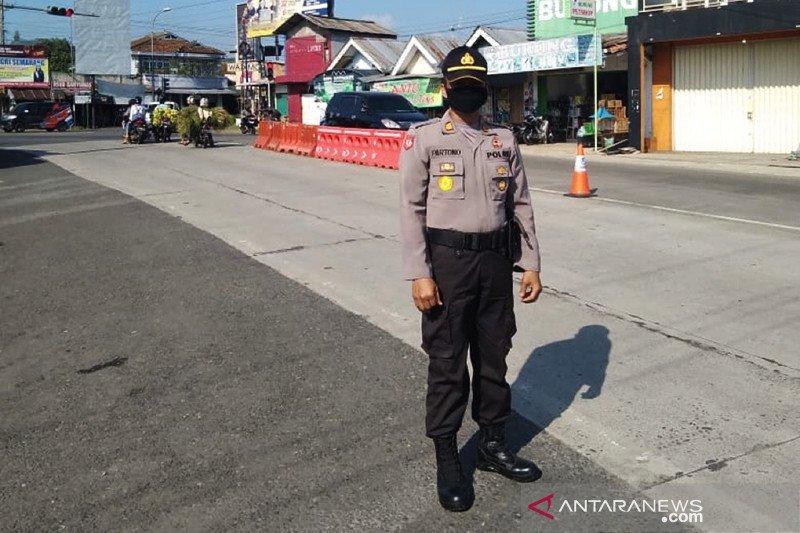 Polisi sekat jalur perbatasan Purbalingga-Banjarnegara