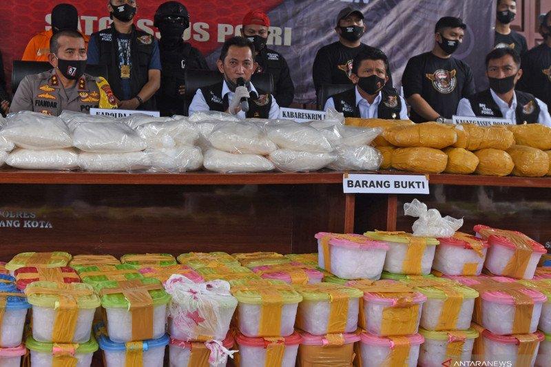 Polisi ungkap upaya penyelundupan 821 kilogram sabu