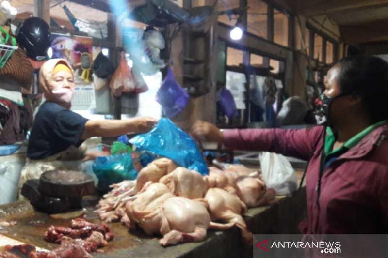Harga daging ayam dan sapi  di Temanggung naik jelang Lebaran