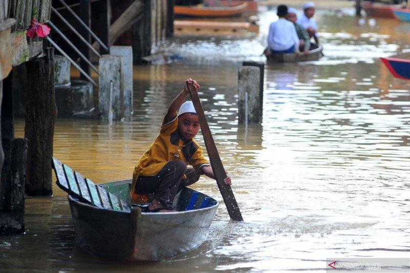 Banjir luapan sungai Batanghari saat Idul Fitri