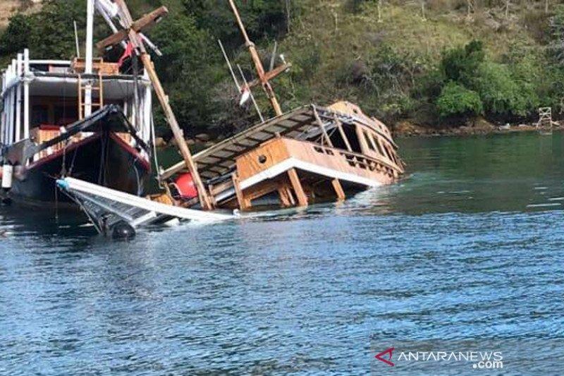 Sejumlah kapal wisata di Labuan Bajo rusak dan tenggelam tak terurus