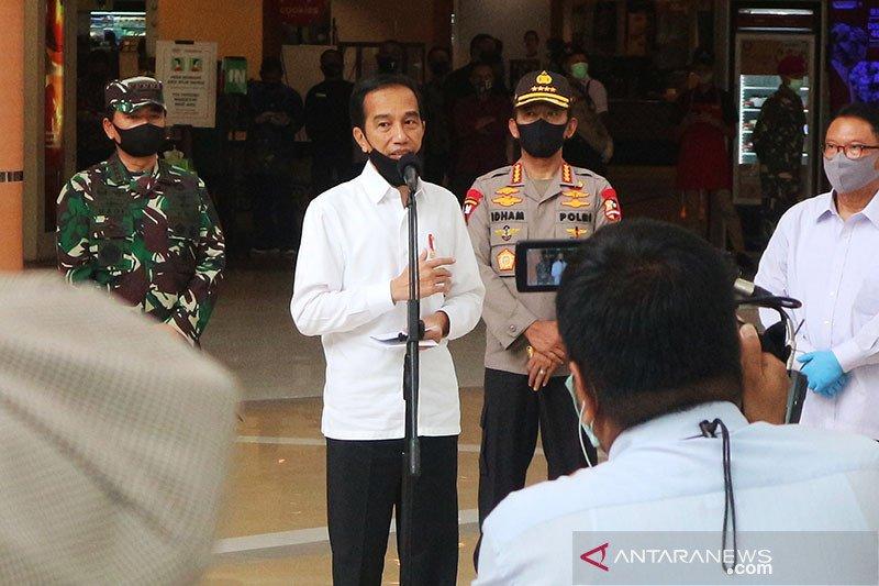 Presiden tinjau penerapan standar normal baru di sarana niaga Bekasi