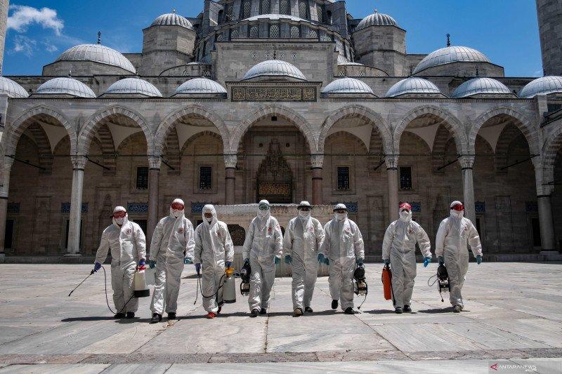 Masjid Biru di Istanbul kembali di buka