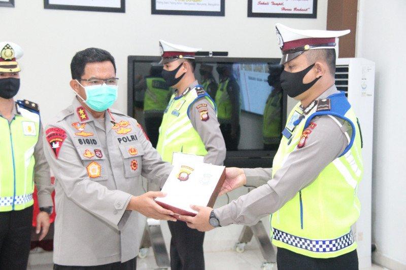 Kapolda Kalbar memotivasi petugas lapangan Operasi Ketupat Kapuas 2020