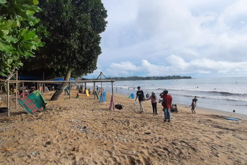 Sejumlah Lokasi Wisata Pantai Di Pandeglang Tetap Buka Setelah Lebaran Antara News Sumatera Barat