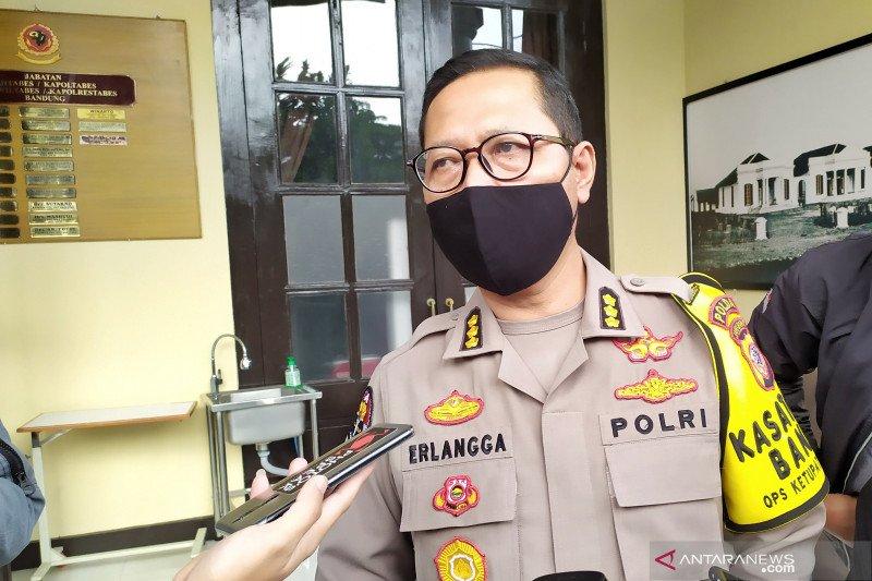 Polisi tak dilengkapi senjata saat penjagaan new normal di Jawa Barat