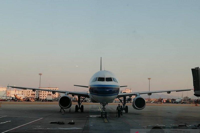 China mulai izinkan penerbangan asing masuk