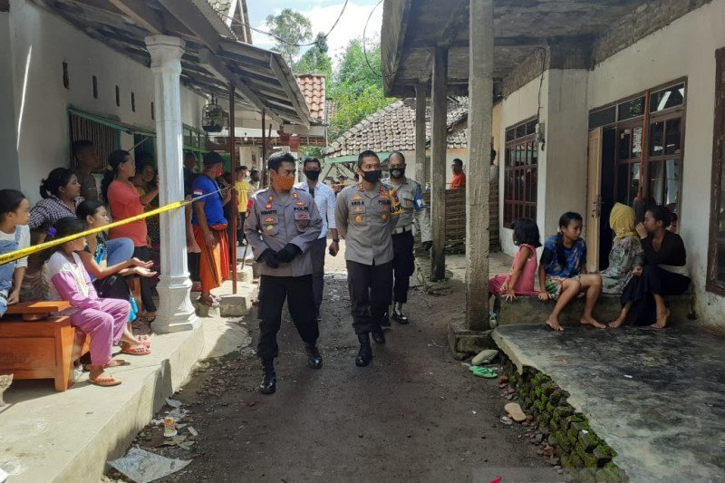 Polisi selidiki ledakan petasan yang menewaskan satu orang di Jember