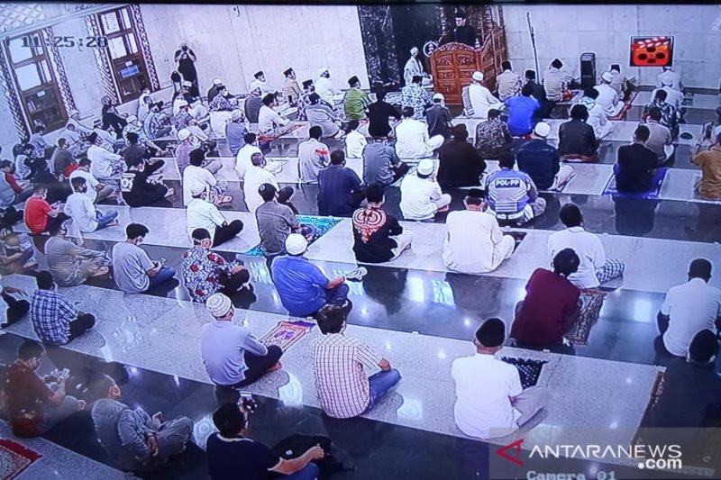 Bima Arya Shalat Jumat berjamaah di Masjid Baitur Ridwan Kota Bogor