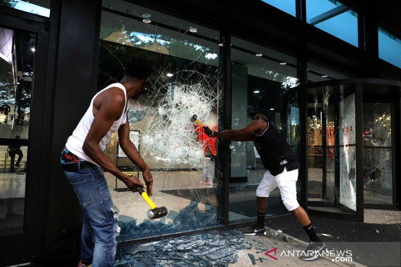 Apple tutup toko karena dijarah