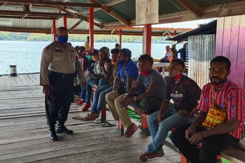 Polairud Jayapura imbau warga Danau Sentani cegah COVID-19