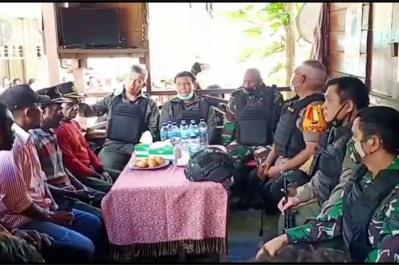 Kapolda & Pangdam tinjau Pospol 99 Paniai pasca penyerangan polisi