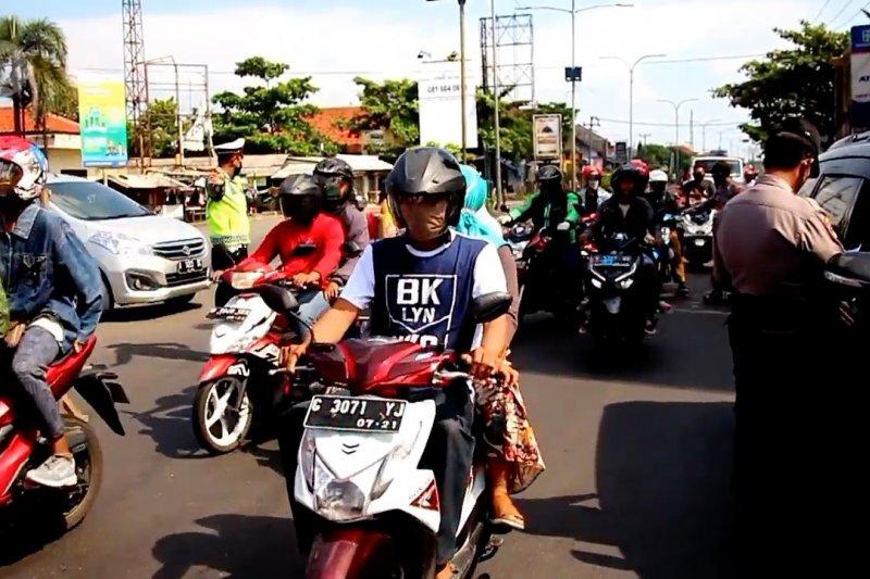 H-1 Idul Fitri, penyekatan gencar dilakukan di perbatasan Jawa Barat Jawa Tengah