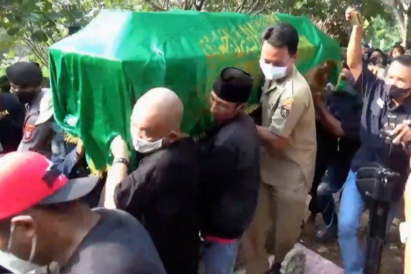 Pemakaman Didi Kempot dihadiri sejumlah pejabat