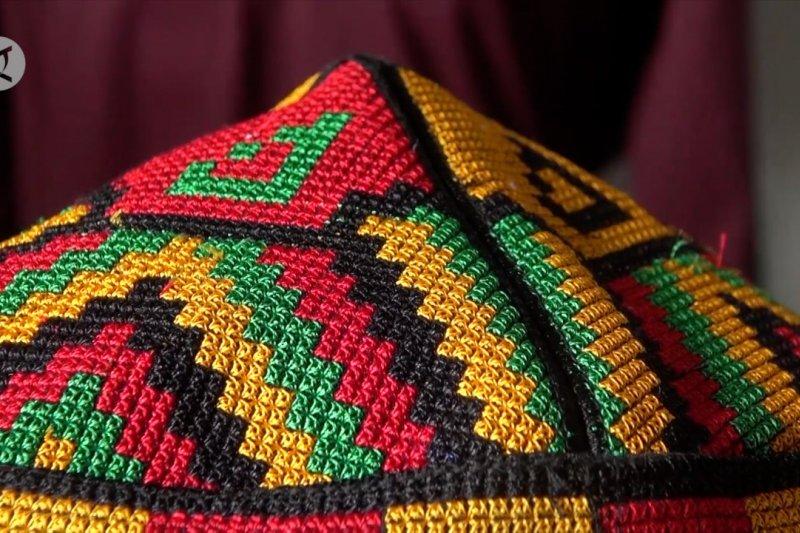 Mengenal Meukeutop, peci motif khas Aceh
