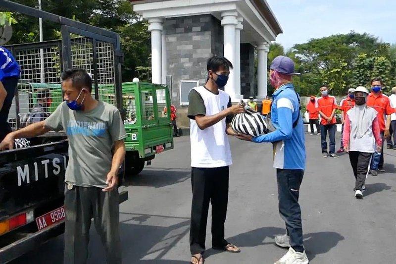 Bank Jateng cabang Temanggung salurkan bantuan sembako
