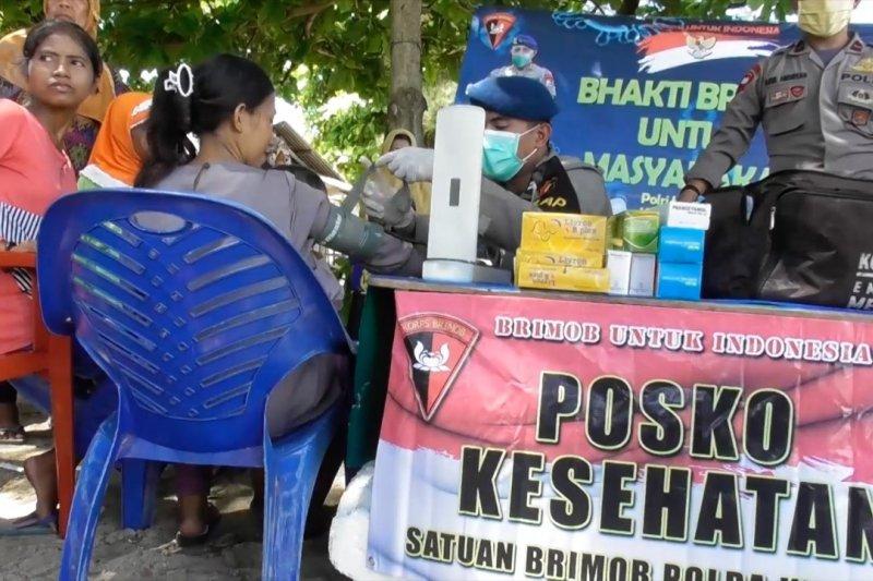 Brimob Polda Babel buka layanan kesehatan di pulau terpencil