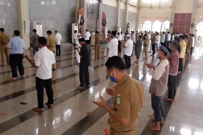 Masjid Agung Batam kembali gelar shalat berjamaah