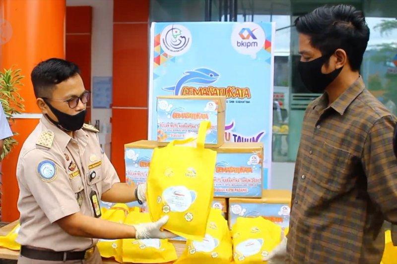 Stasiun KIPM Padang berikan hasil UMKM perikanan kepada masyarakat