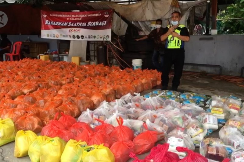 Di Pantai Dalam, seribuan paket sembako diperuntukkan bagi TKI