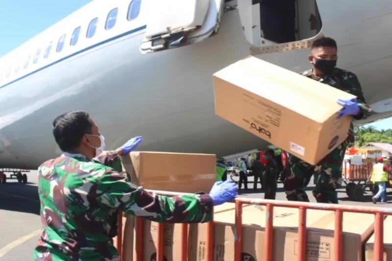 Bantuan alkes dari Gugus Tugas COVID-19 tiba di Manokwari