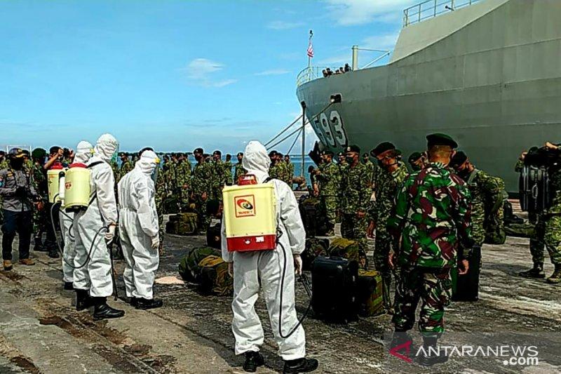 Lantamal VI Makassar disinfeksi kapal perang