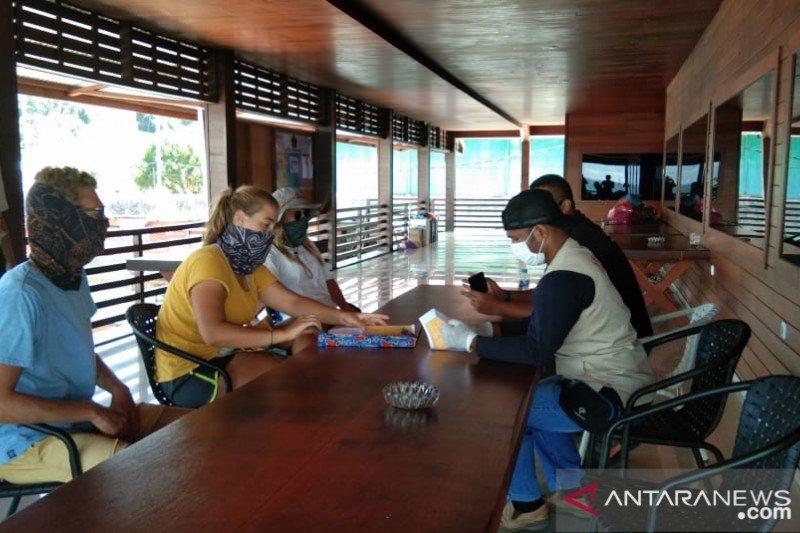 Gugus Tugas Sorong bantu pemulangan tujuh WNA