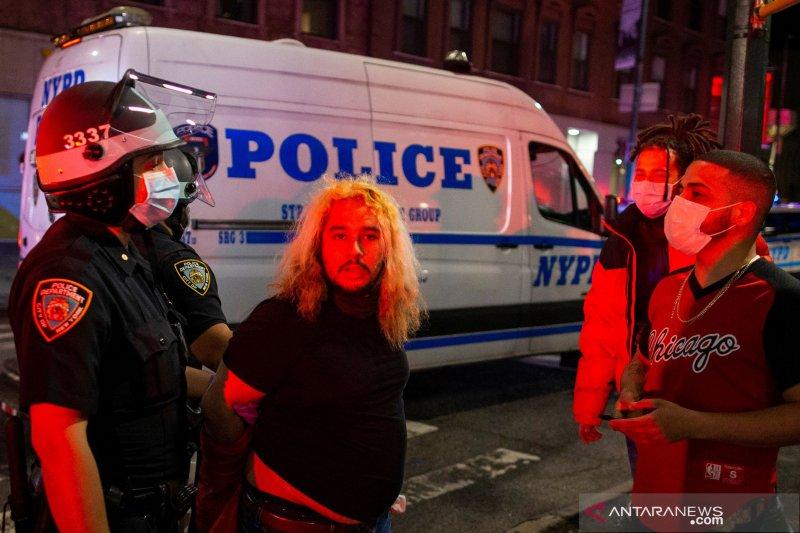 Polisi New York diskors usai insiden mencekik  terekam dalam video