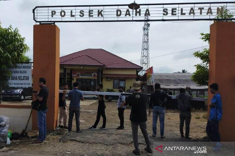 Polda Kalsel koordinasi Densus 88 usut penyerangan Polsek Daha Selatan
